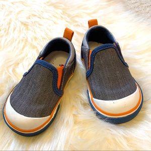 See Kai Run kids slip on shoes size 4